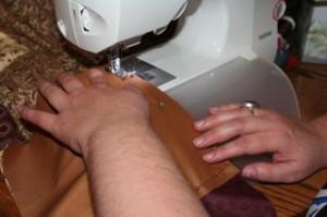 Brenda working on her quilt.